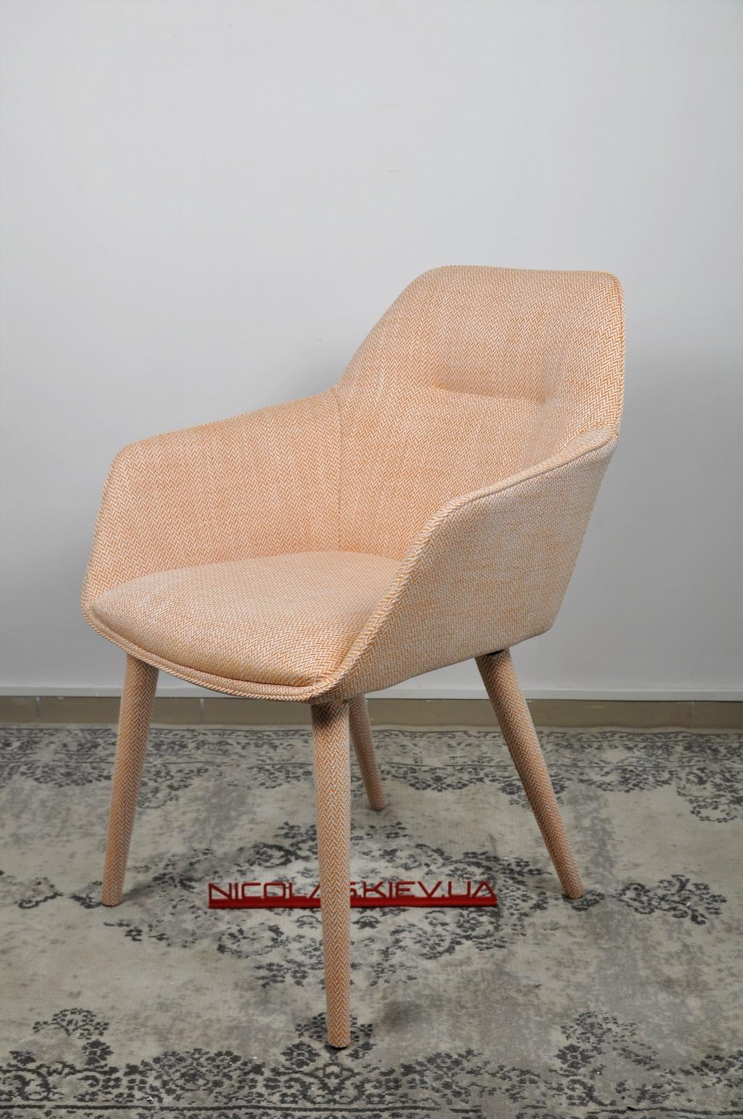 Кресло Nicolas Toro F518Y оранж